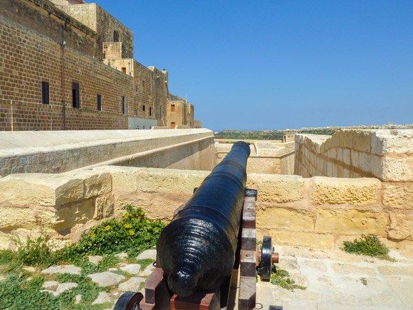 citadel victoria rabat kanon op bastion gozo eiland