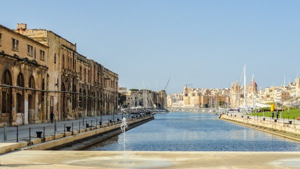 de dockyard creek in the three cities malta
