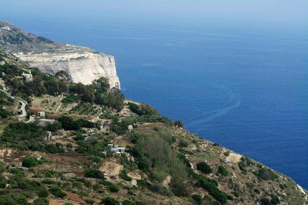 dingli cliffs in dingli in centraal-malta