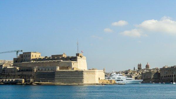 fort st angelo gezien vanuit valletta the three cities malta