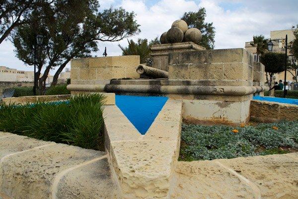 tuin van gardjola monument senglea the three cities malta