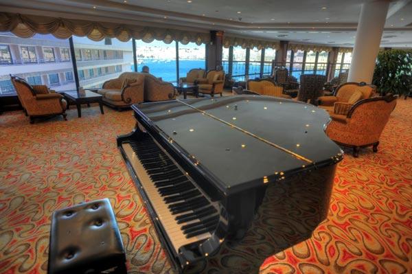 harbour view bar interieur piano grand hotel excelsior valletta malta