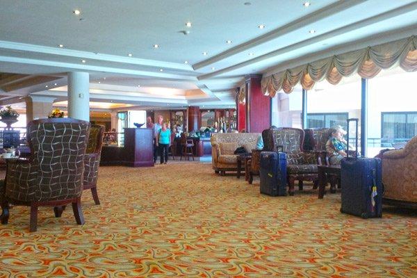 harbour view bar nieuwe hotelgasten grand hotel excelsior malta