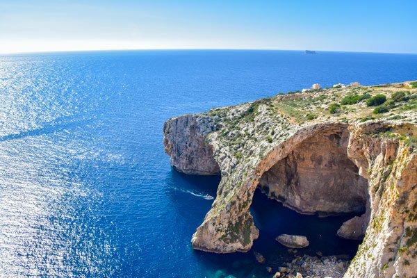 malta bezienswaardigheden blauwe grot inham