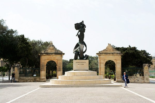 onafhankelijkheidsmonument floriana nabij valletta malta