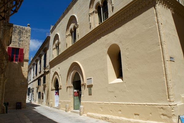 palazzo falson mdina centraal malta