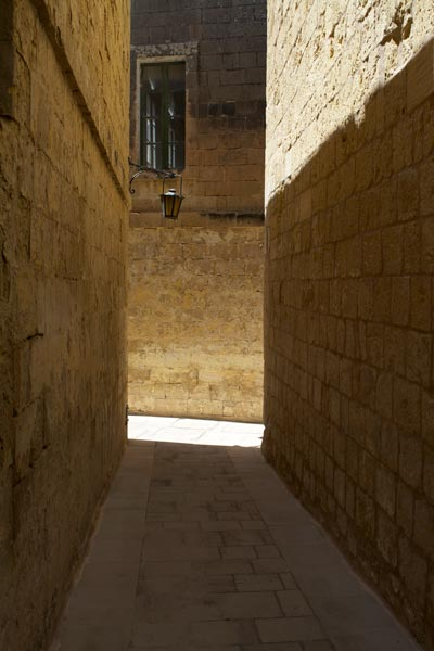 smalle straatjes mdina centraal malta