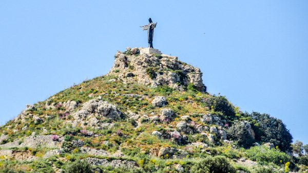 tas salvatur of saviours hill jezus beeld heuvel marsalforn detail gozo eiland