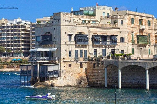 restaurant barracuda piccolo padre balluta bay malta st julians