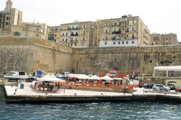 aanmeerplaats ferry hoofdstad malta valletta