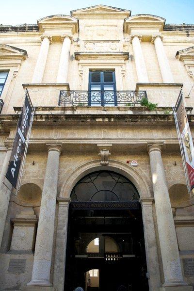 auberge de provence museum van archeologie valletta hoofdstad malta