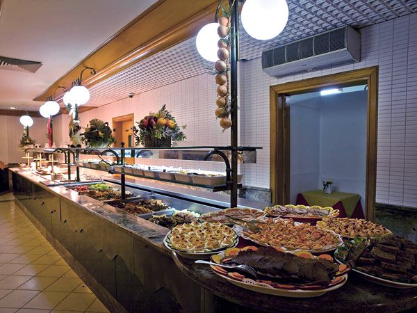 buffet hoofdrestaurant canifor hotel malta