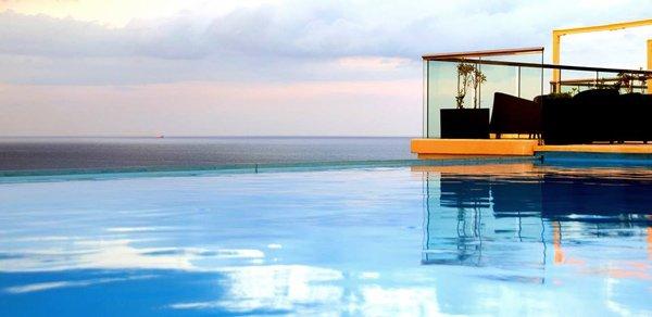 buitenzwembad prachtige uitzichten the palace hotel malta