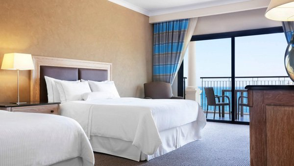deluxe queen sea view kamer westin dragonara malta