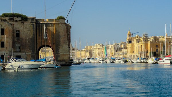 dockyard creek zicht op senglea links en vittoriosa rechts the three cities