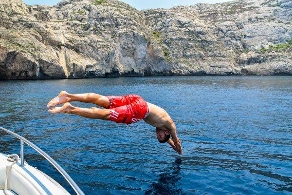 duik vanaf boot dwejra bay 3 gozo bezienswaardigheden