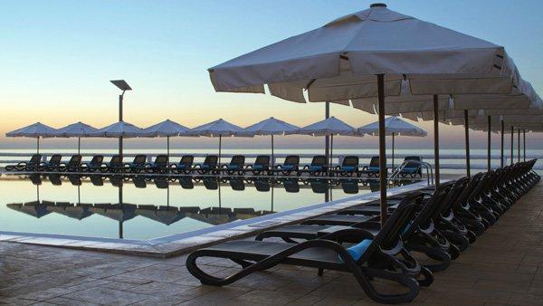 exclusief reef club zwembad westin dragonara malta