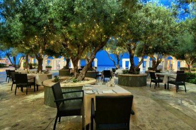 gazebo restaurant dineren onder de blote hemel hilton malta hotel