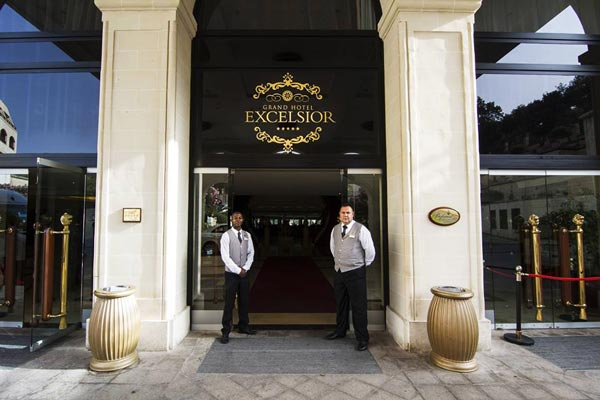 grand hotel excelsior malta ingang