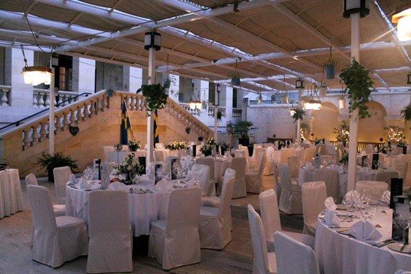 huwelijksfeest buiten in alexandra gardens the palace hotel malta