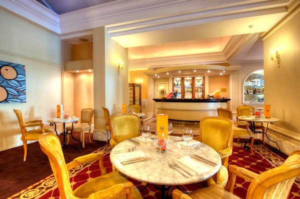 interieur orange grove brasserie corinthia palace hotel and spa malta