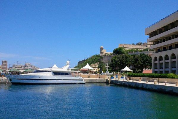 jachthaven en stadsomwalling valletta grand hotel excelsior malta
