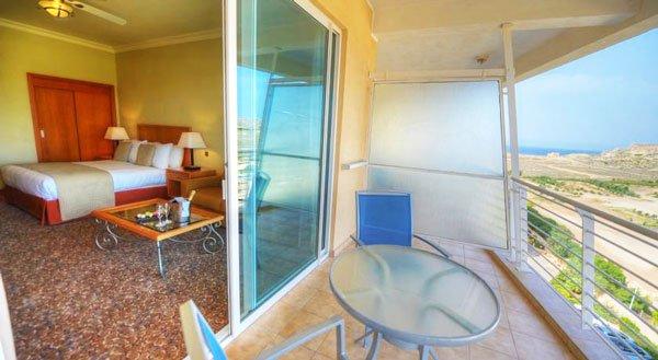 kamer met zeezicht radisson blu malta golden sands