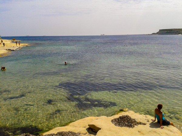 klimaat malta oktober zwemmen zee st thomas bay marsascala