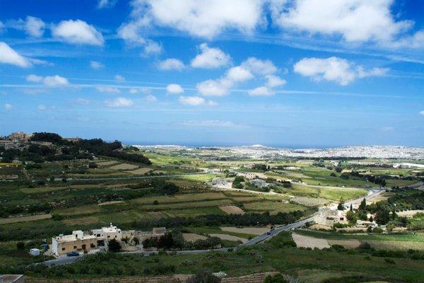 uitzicht vanop omwallingen mdina landschap centraal malta