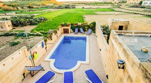 malta vakantiehuis villayana zwembad san lawrenz gozo