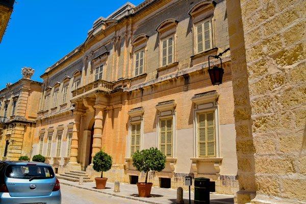 casa testaferrata prachtig imposant gebouw in mdina de oudste stad van malta