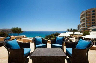 prachtige uitzichten mokka lounge bar radisson blu resort spa golden sands malta