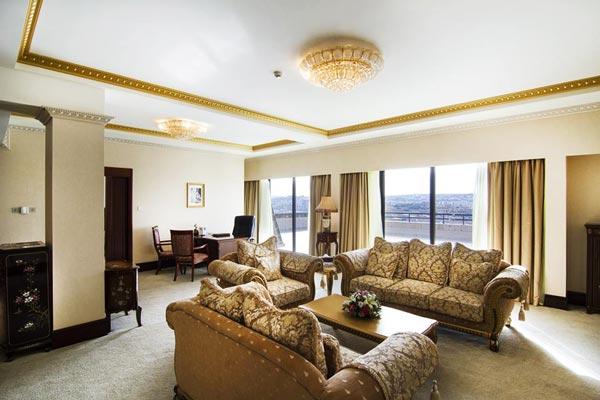 leefruimte presidentiële suite grand hotel excelsior malta valletta