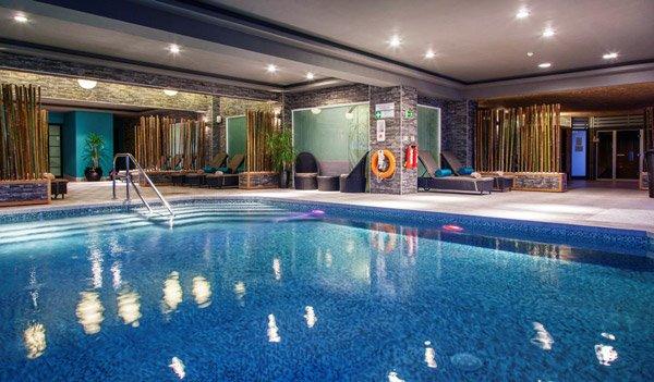pure ontspanning binnenzwembad the palace hotel malta