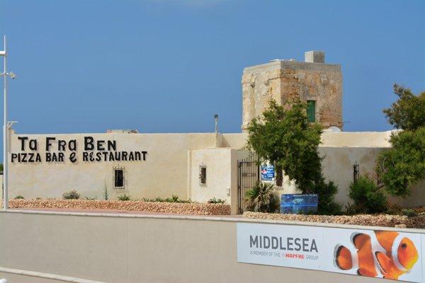 toren van qawra en ta fra ben restaurant noorden van malta