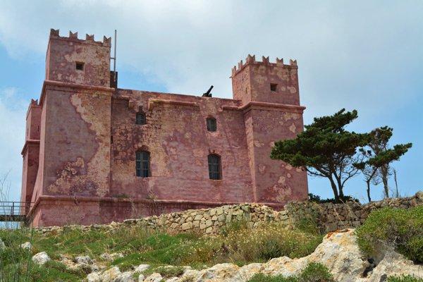 red tower marfa ridge mellieha noorden van malta