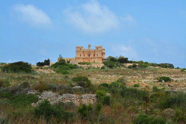paleis van selmun in mellieha noorden van malta