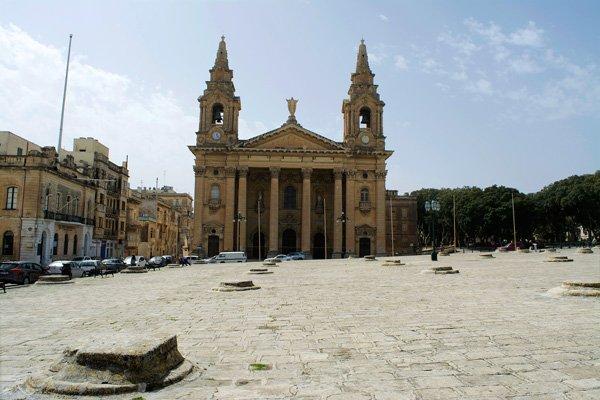 st publius kerk pjazza san publiju opslagplaatsen graan graneries floriana malta