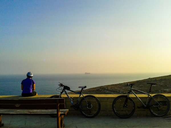 temperatuur malta juli sporten overdag zwemmen zonsondergang fietsen zurrieq filfla