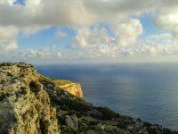 temperatuur malta november fris zeewater dingli cliffs