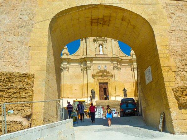 toegangspoort citadel victoria rabat gozo eiland