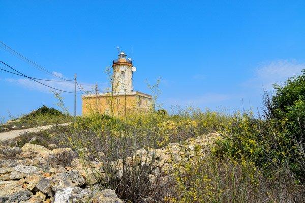 toegangsweg giordan vuurtoren ghasri gozo eiland