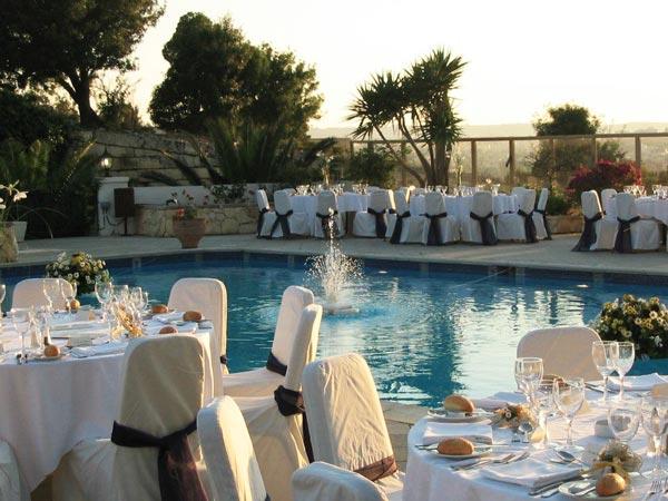 trouwfeest zwembad bastion phoenicia hotel malta