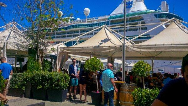 valletta waterfront cruiseschip en terrasjes bezienswaardigheden