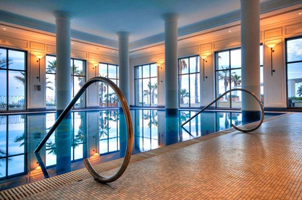 verwarmd binnenzwembad spa hilton malta hotel