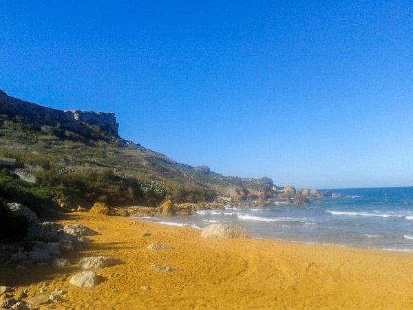 weer malta maart 2016 winter 2015 2016 warme middagzon picknick strand san blas bay gozo december 2015