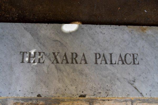xara palace hotel naamplaatje in mdina malta