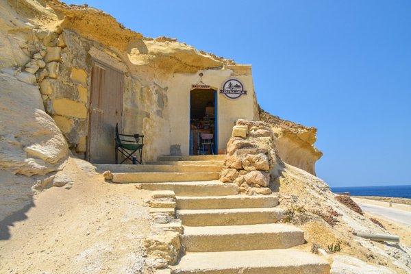 xwejni zoutpannen winkel opslagplaats zout grot gozo eiland newmalta