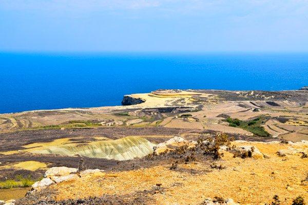 zeezicht van nabij giordan vuurtoren gozo eiland newmalta