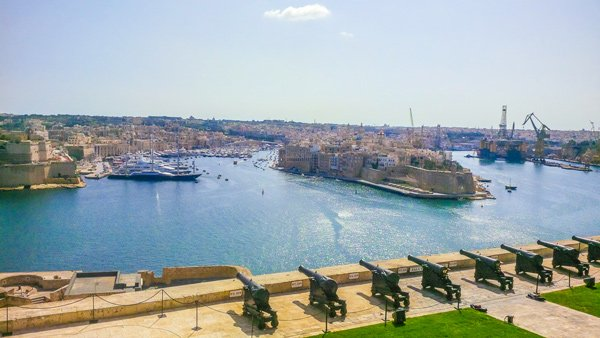 zicht op the three cities vanop saluting battery upper barrakka tuinen valletta